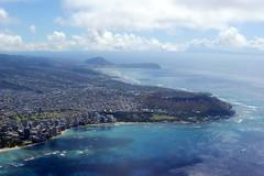 Hawai'i (Oahu) - Waikiki and Diamond Head (Steve Holsonback) Tags: window airplane island hawaii pacific waikiki oahu head seat diamond