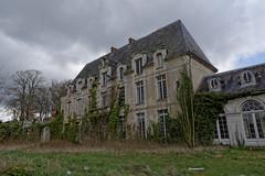 Chateau des Singes (54) (MoTH4FoK) Tags: des porte chateau exploration faade fenetre lierre singes urbex urbaine dependance moth4fok