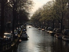 Amsterdam (iPhone) (pukilin) Tags: light luz water amsterdam canal no filter iphone