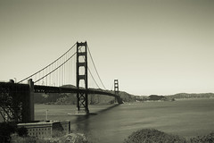 Golden Gate B&W pic San Francisco USA (M&M_Photography) Tags: bw bnw blackandwhite blackwhite goldengate bridge sanfranciscobay bay sanfrancisco icon canon