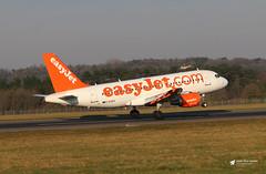 Photo of G-EZEH Airbus A.319-111, easyJet, Bristol Airport, Lulsgate Bottom, Somerset