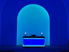Licht (Berliner1963) Tags: blue blau farbe jamesturrell light licht dorotheenstädtischerfriedhof friedhof berlin germany deutschland