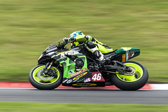 Leaning (m78kem) Tags: park england canon moving bend fast bikes down super racing british knee leaning bsb cadwell eos50d
