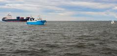 Northsea Cuxhaven (coellerich) Tags: ocean water boot klein meer wasser ship schwimmen nordsee schiff gros dse nass cuxhaven duhnen zd ahoi frachter matrose 1442mm