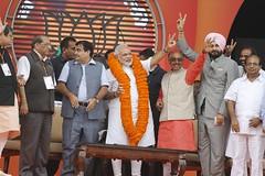 BJP Leaders welcomed Narendera Modi in Vikas Rally, Rohini Delhi (vijaygoelbjp) Tags: park vijay k japanese other superb delhi awesome rally sunday crowd first v huge sep leaders welcome 29 speech vikas better nitin singh modi amount bjp shri deserve navjot vk sidhu malhotra gadkari goel 2013 narender narander