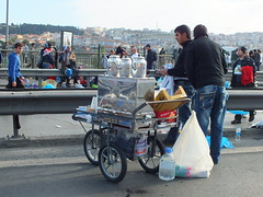 Tea sellers (CyberMacs) Tags: sport turkey asia marathon trkiye run istanbul activity bosphorus maraton eurasia runnin eurpe turkez istanbulmarathon maratonistanbul constatinapole
