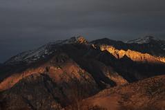 Ajar (Hunter Page Photography) Tags: lighting mountains nature photography utah nikon photographer peaks nikkor afcanyon naturephotography mountainrange 200mm naturephotographer nikonphotography