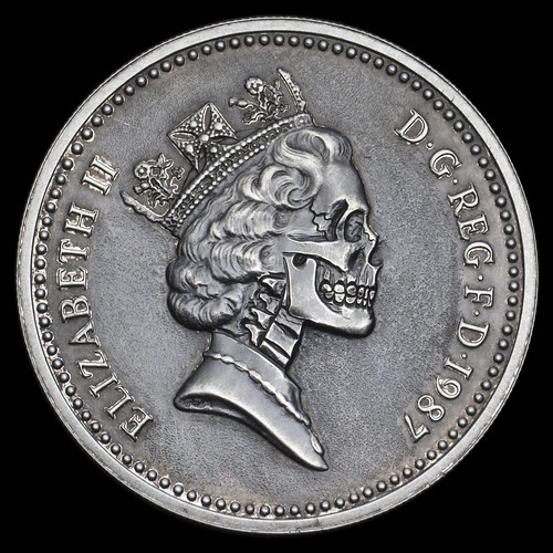 One Pound Elizabeth Skull