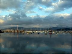 Bayona (Pontevedra) (celicom) Tags: costa puerto atardecer agua barcos reflexions turismo reflejos bayona