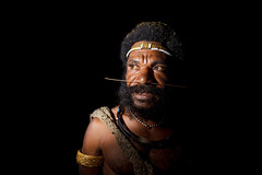 Huli man, PNG (Lachlan Towart) Tags: travel portrait man asia native flash tribal wig png papuanewguinea tari headdress huli wigman wigmen 6millionpeople huliwigmen nationalgeographicfacesoftheworld natgeofacesoftheworld