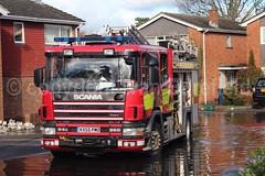 Flooding, Marlow - 11.2.13 (skippys 999 site) Tags: rescue fire flooding fireengine emergency bucks floods marlow firebrigade 999 firerescue fireservice