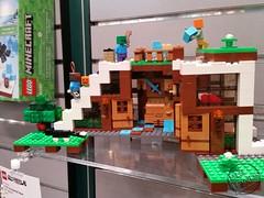 Toy Fair 2017 LEGO Minecraft 24 (IdleHandsBlog) Tags: minecraft toys videogames lego constructionsets toyfair2017