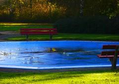 SEAson. (Warmoezenier) Tags: azul bank blue buiten colours empty herfst kapelle leeg nederland outside red rood season swimmingpool zeeland zwembad