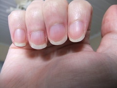 DSCF6981 (ongle86) Tags: ongles nails rongés biting pouce thumb sucé sucking doigts fingers hand mains fetishisme