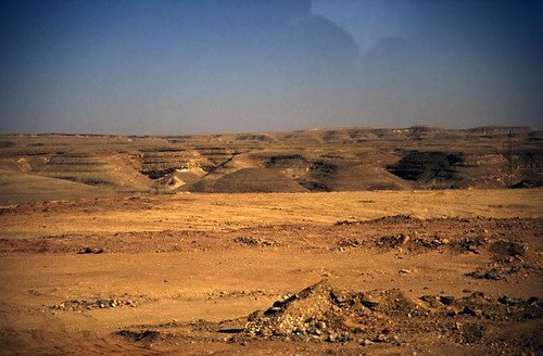 "Ägypten 1999 (760) Busfahrt Kairo-Hurghada: Ostwüste • <a style=""font-size:0.8em;"" href=""http://www.flickr.com/photos/69570948@N04/33513807525/"" target=""_blank"">View on Flickr</a>"