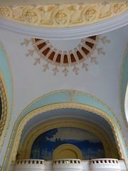 Vichy (Cherryl.B) Tags: vichy allier auvergne cure curistes eau thermal décors sculptures balcons arcades arches courbes bleu tourisme