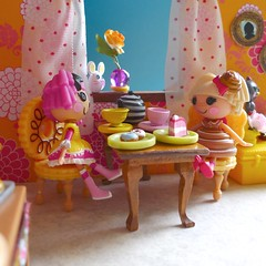 Cherry's Cakery (Ibeltje) Tags: cake cherry pie crust toy doll cookie sweet sticky mini sugar crisp bakery donut icing crumbs bun lalaloopsy