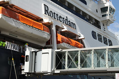 Walkway to ship (davidvankeulen) Tags: cruise river boat rotterdam europe ship hal maas departure cruiseboat schip rivier nieuwemaas msrotterdam wilhelminapier hollandamericalijn afvaart davidvankeulen davidcvankeulen urbandc metropoolrotterdamdenhaag davidvankeulennl