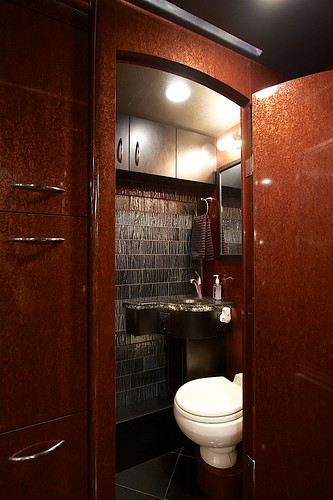 Moonlite - Front Bathroom