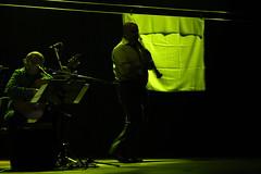 Sombras (OrH1) Tags: shadow en miguel teatro lights luces la shadows cesar vida sing alfredo hay sombras canto amores perez rondon celis