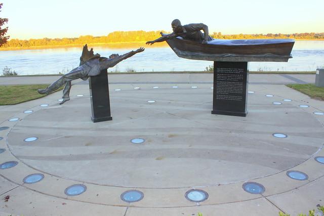 Tom Lee Memorial (Standard View) - Memphis Riverfront