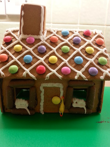 10/10 Finished gingerbread house