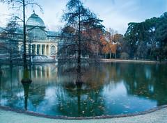 Palacio de Cristal del Retiro (Pedro Herrero) Tags: madrid parque espaa water lago spain agua espana estanque retiro parquedelretiro parquedelbuenretiro
