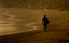 surfero al amanecer (Peninqu) Tags: grancanaria surf playa amanecer lalaja surfero oltusfotos