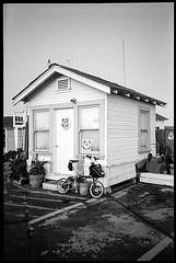USCG Office (Vlocia) Tags: bw coastguard film kodak trix 400tx brompton yashicat4