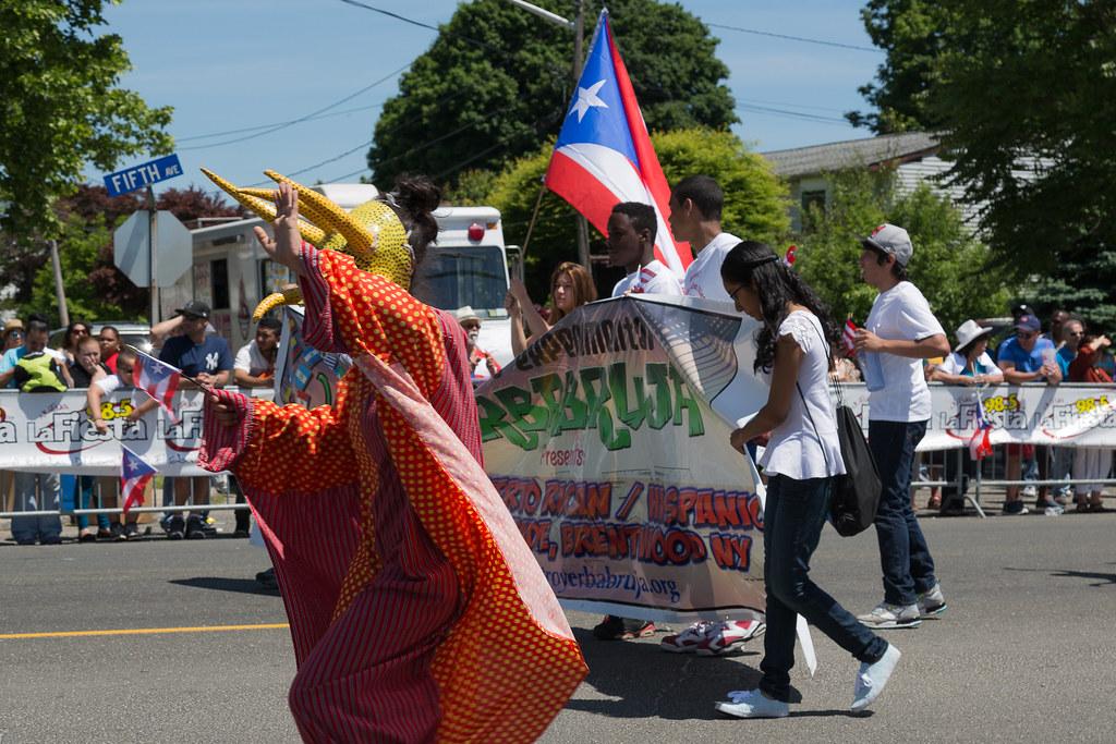 latinas ass parade