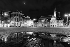 Heineken (zsnajorrah) Tags: urban city cityhall townhall square rain puddle reflection moon monochrome blackandwhite evening night longexposure 7dmarkii efs1018mm netherlands haarlem grotemarkt grotehoutstraat stadhuis gemeentehuis xo explore