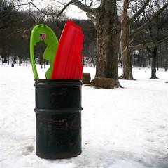 (eyepenn) Tags: manhattan snow rolleicordiii kodakektar sleds newyork