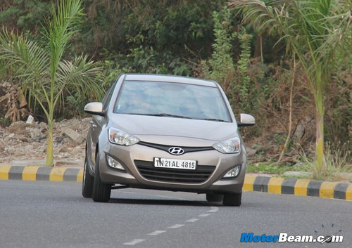 Hyundai-i20-1.4-AT-30