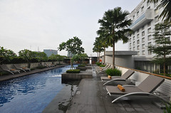 (relan's terraces) Tags: pool architecture swimming garden indonesia hotel convention medan urbane sumatera utara santika arsitektur dyandra arsitek