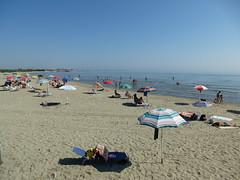 P1000011 (gzammarchi) Tags: persona italia mare natura spiaggia paesaggio ravenna litorale ombrellone camminata itinerario lidodidante
