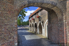 "Oostpoort in Delft • <a style=""font-size:0.8em;"" href=""http://www.flickr.com/photos/45090765@N05/9313941301/"" target=""_blank"">View on Flickr</a>"