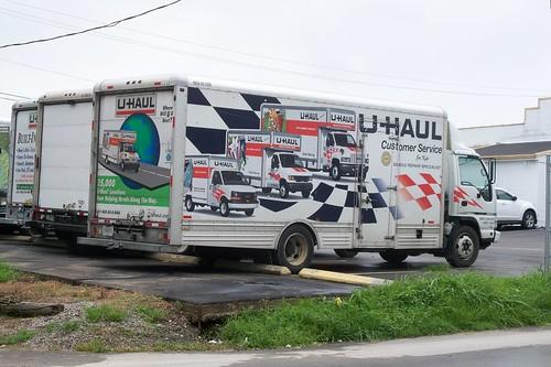 U-Haul Customer Service Truck - 100_2439.JPG - a photo on Flickriver