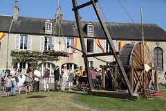 Hotel Du Doyen - Bayeux Medieval Festival 2013 (dorsetbays) Tags: france festival dance costume july fair cage danse medieval event fete normandy juillet calvados bayeux squirrelcage carpenter charpente hamsterwheel ropemaker medievales 2013 cageaecureuil bayeuxmedievalfestival hoteldudoyen 6juillet2013 7juillet2013 27thbayeuxmedievalfestival fetesmedievalesbayeux 27efetesmedievalesbayeux courdehoteldudoyen cordisteetechafaudage courtyardofhoteldudoyen