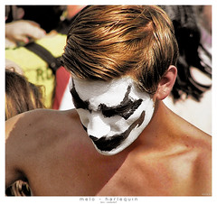 melo - harlequin (<rs> snaps) Tags: boy man hair gold switzerland clown streetparade zuerich harlequin melo niederdorf melancolic reneschlegel notphotoshoppedbuthandcoloredfromb