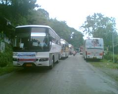Anglų lietuvių žodynas. Žodis bus reiškia 1. n autobusas, omnibusas; 2. v važiuoti autobusu lietuviškai.