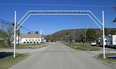 Red Oak Welcome Arch (Red Oak, Oklahoma) (courthouselover) Tags: oklahoma ok redoak latimercounty citywelcomesigns