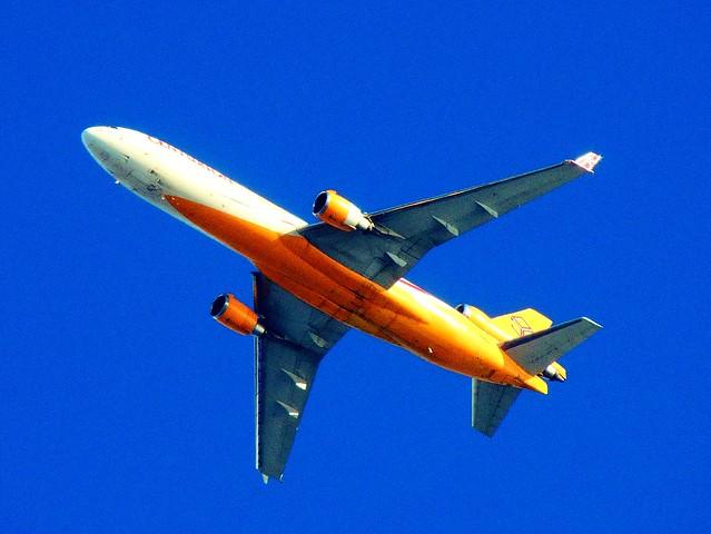 Seven thousand feet overhead: Centurion Air Cargo MD-11 flyover 2013-11-21 005