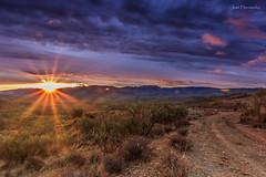 Ya sale. (Jose HL) Tags: color paisaje andalucia amanecer granada nubes campo josehernandez estacindehijate