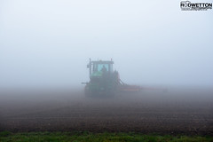 L_KNP5202 (Rodney Wetton) Tags: mist tractor misty lincolnshire daffodil johndeere sowing mistymorning lincolnshirewolds sowingseeds edlington capnilfarm