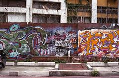 Graffiti (Edward M-Y Lin) Tags: film contaxg2 xtra400 planart45mmf2