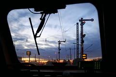 P1110286 (Lumixfan68) Tags: eisenbahn signale hamburgeidelstedt hauptsignale abendhimmel