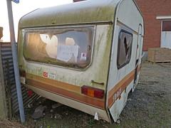 gratis mee te nemen (ǝɹpɹoʇǝɹɐןıɥd) Tags: caravan leegstaand wilk vintage wilkcisport