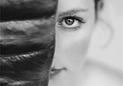 Laura (Paola Valli) Tags: portrait ritratto eyes occhi girl ragazza woman donna face faces people gente persona persone flickr nature natura idea inspiring nikon 50mm vogue esuli emotions emozioni emozione esterno escape espressione exposure eleganza emotion black white light luce love life scattifotografici shadows season scatto sky summer stagione rome photo pp photography picture photographer metà half viso body pieces composition