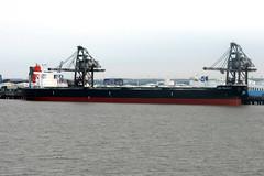 Leo Felicity (Howard_Pulling) Tags: camera canon boat photo ship picture vessel hull shipping humber victoriadock hpulling howardpulling
