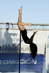 Betty Boop al contrario... (@ntop@r) Tags: woman silhouette sport pose mujer pole deporte gym barra poledance figura polers